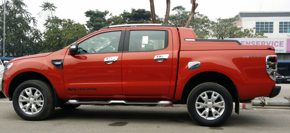 Nắp thùng xe bán tải Ford Ranger SRC-Sport