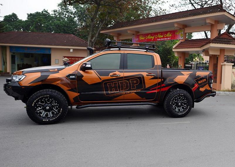 Dán decal thay đổi vẻ ngoài cho xe Ford Ranger