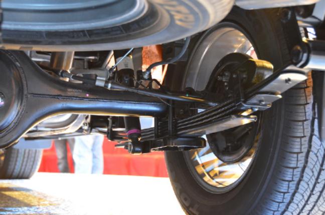 Chọn giảm xóc ô tô phù hợp với loại xe đang sử dụng - Giảm xóc dạng nhíp (lò xo lá)