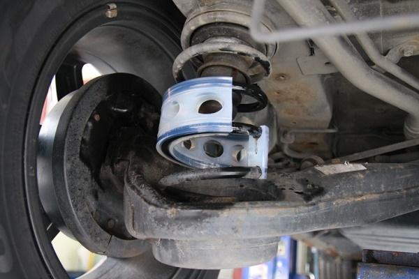 Một mẫu xe được lắp ráp lò xo giảm xóc