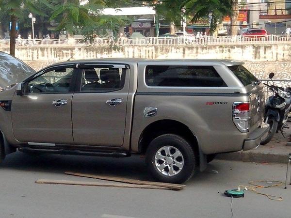 Nắp thùng Range Rover cho xe bán tải Ranger