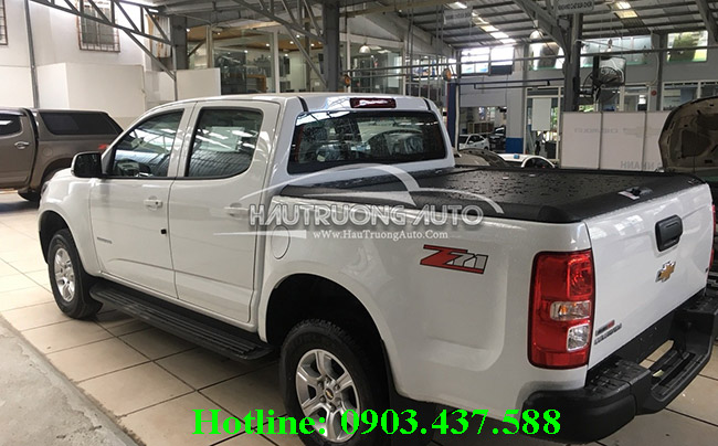 nap-thung-cuon-mountain-xe-chevrolet-colorado-1