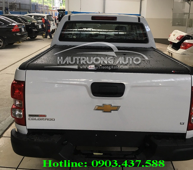 nap-thung-cuon-mountain-xe-chevrolet-colorado-2