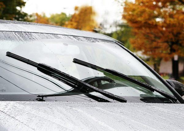 cần gạt nước mưa cho xe ô tô