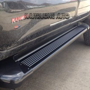 Bệ bước lên xuống Ford Ranger – phụ kiện đảm bảo an toàn cho xe của bạn