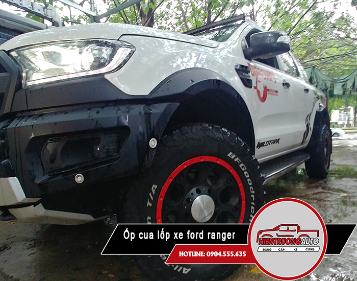op-cua-lop-xe-ford-ranger-ha-noi