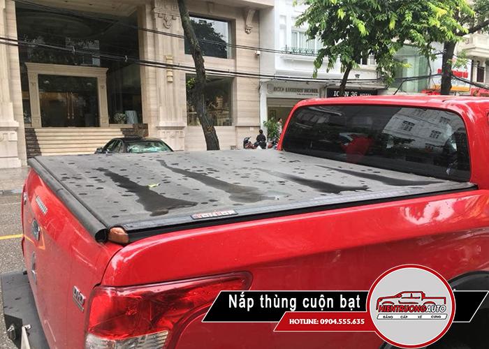 nap-thung-xe-ban-tai-ford-ranger-loai-cuon-bat