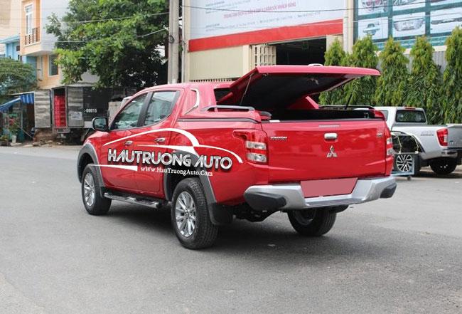 nap-thung-thap-Mitsubishi-Triton