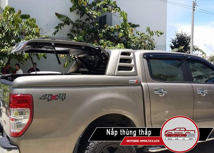 nap-thung-xe-ban-tai-ford-ranger-loai-thap-mo-90-do