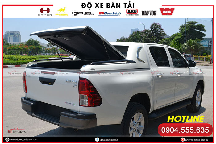 nap-thung-thap-toyota-hilux-1
