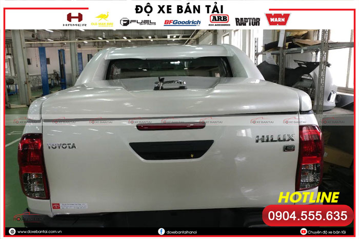nap-thung-thap-toyota-hilux-3