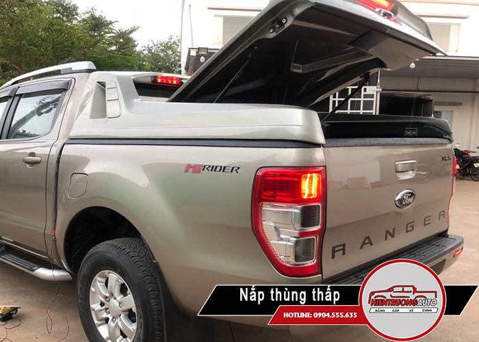 nap-thung-xe-ban-tai-ford-ranger-mo-45-do