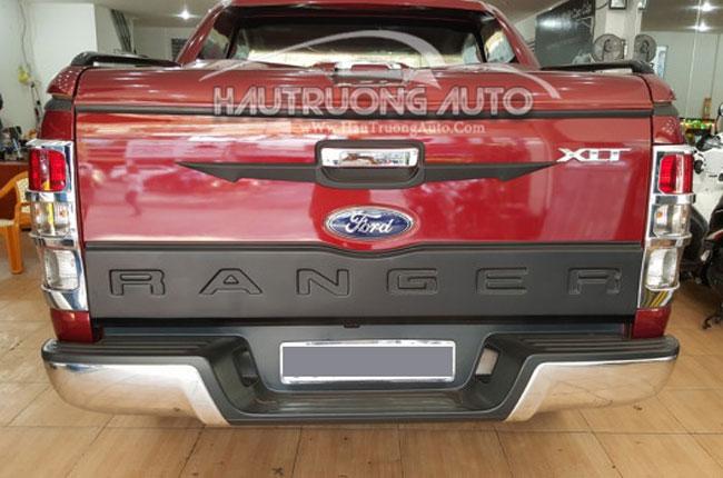 op-cua-sau-ford-ranger-ban-nho