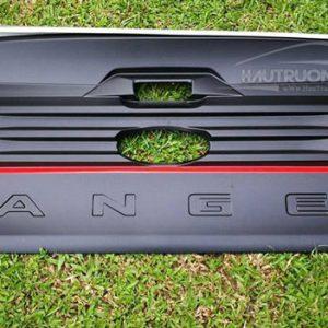 Ốp cửa sau Ford Ranger – cách lắp ốp cửa sau xe Ford Ranger