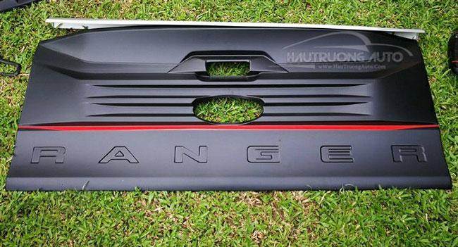 op-cua-sau-ford-ranger-fitt
