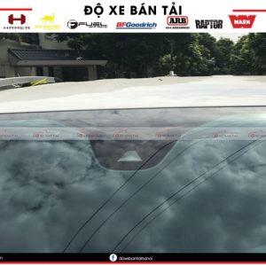 Lắp đặt camera đọc biển báo giao thông trên xe Ford