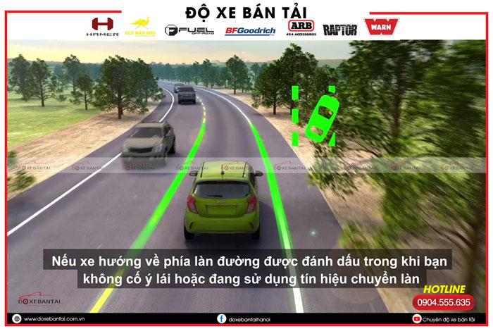 canh-bao-chech-lan-duong.jpg2