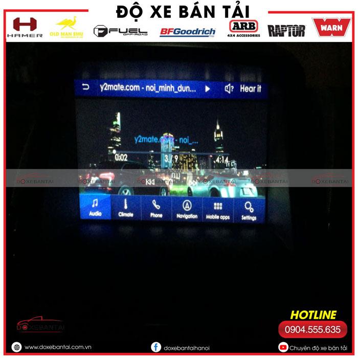 kich-hoat-tinh-nang-an-xem-video-tren-man-hinh-sync-cho-xe-ford.jpg3