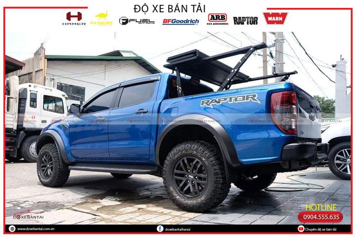 nap-thung-ba-tam-xe-Ford-Raptor-10