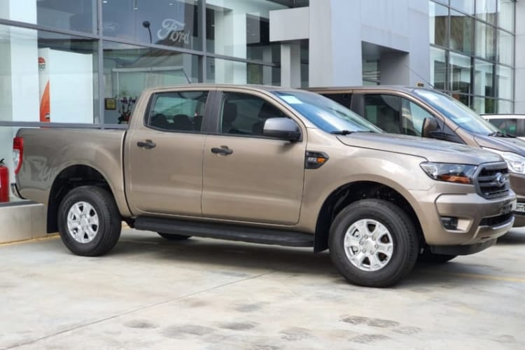 Ford-ranger-XLS-phuc-vu-nhu-cau-gia-dinh-Viet-4.jpg