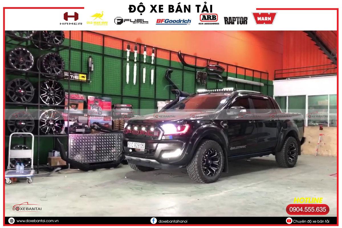 Nhung-dieu-ban-can-biet-khi-do-den-Ford-Ranger-Wildtrak-1.jpg