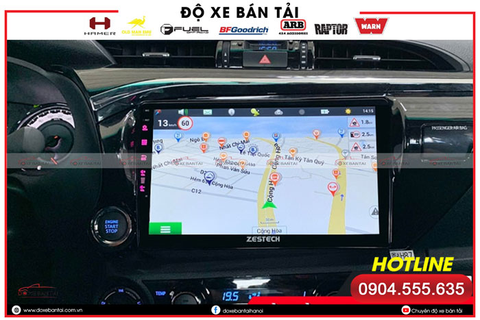 man-hinh-android-cho-xe-hilux-2