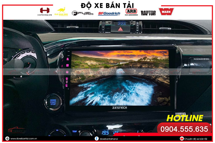 man-hinh-android-cho-xe-hilux-4